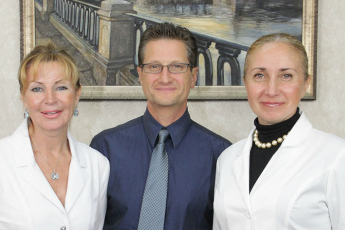 Dr-riskevitch-and-aesthetic-staff